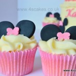 Minnie mouse theme cup cake